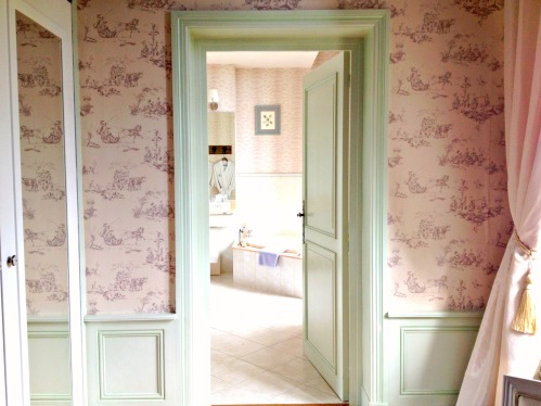 Bagatelle mint door.jpg