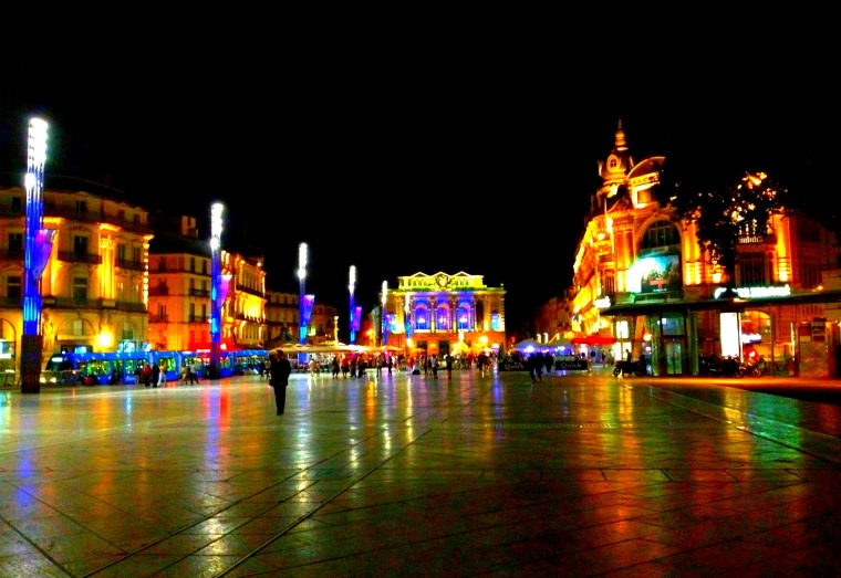 Montpellier Place de la Comedie night.jpg