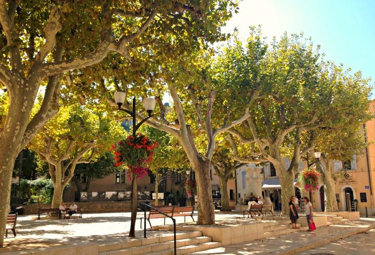Cassis square