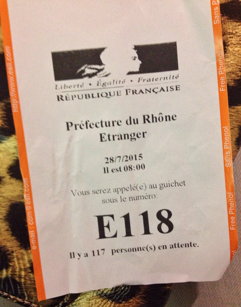 Renewing my visa in Lyon: 9 hours at the préfecture